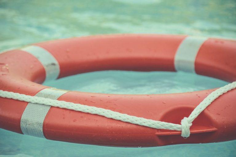 サーフィンと死は隣り合わせ