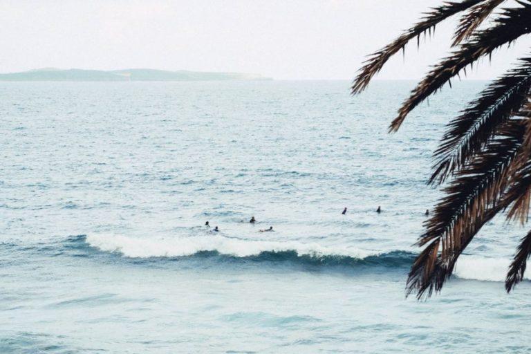サーフィンは待つのがメイン