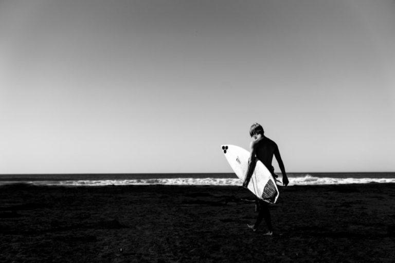 サーフィンと不良の関係性について【ワルの生きがい】