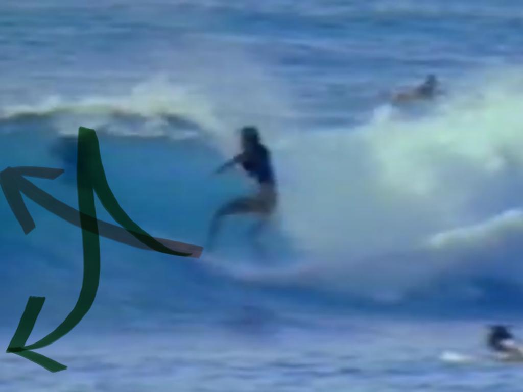 無理のない自然なラインどりこそシングルフィンサーフィンの真骨頂
