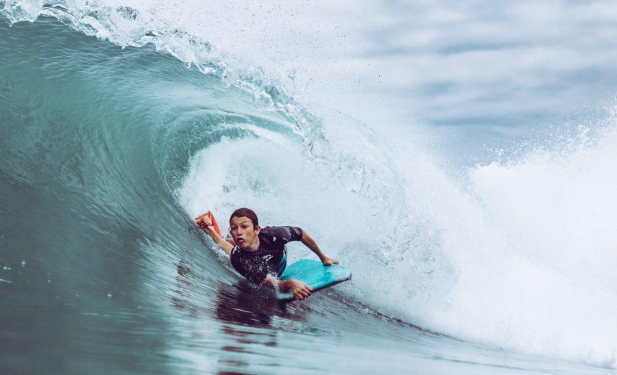 テイクオフしなくても波に乗れるのがサーフィン