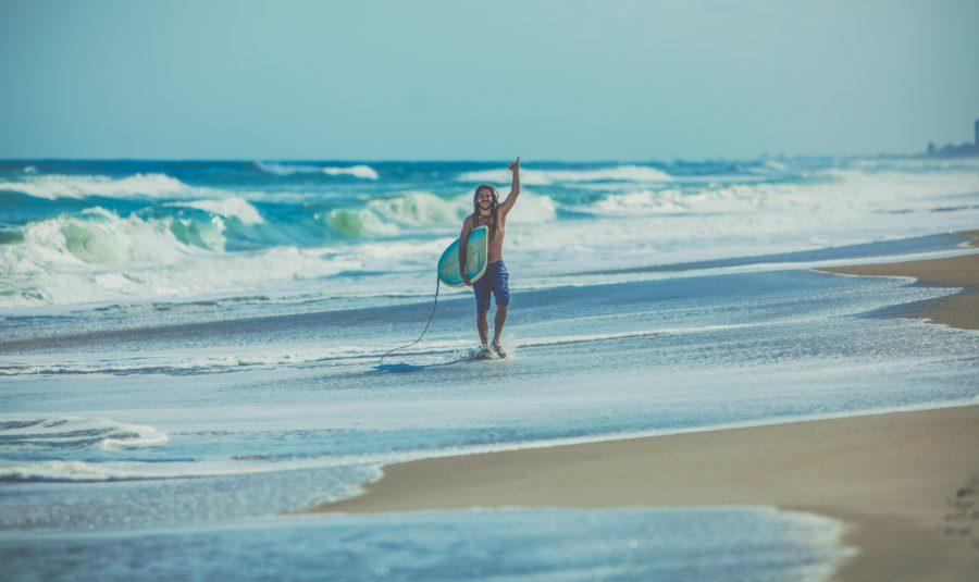 空いている場所でサーフィンができれば誰もが自然に笑顔になる