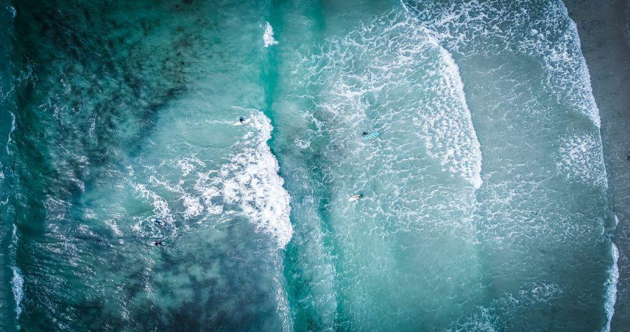 波のピークを探せば入水した後にテイクオフが容易になる