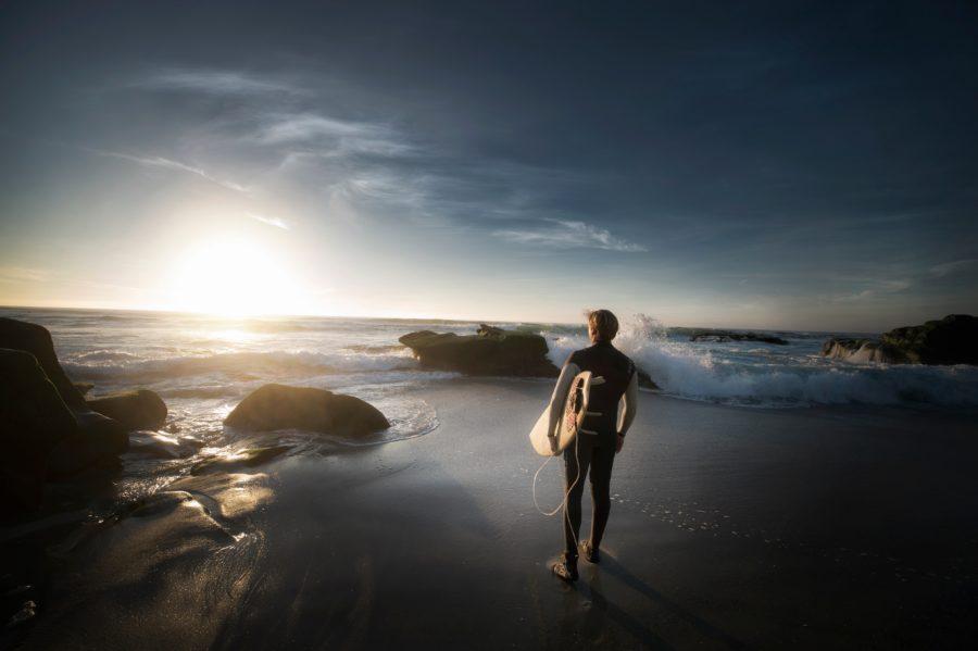 サーフィンを仕事にしたい人へ!サーフィン業界に関係する仕事一覧