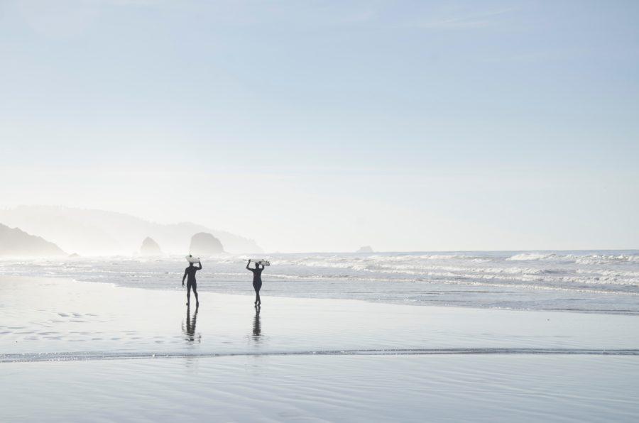 春サーフィンは防寒対策が必要