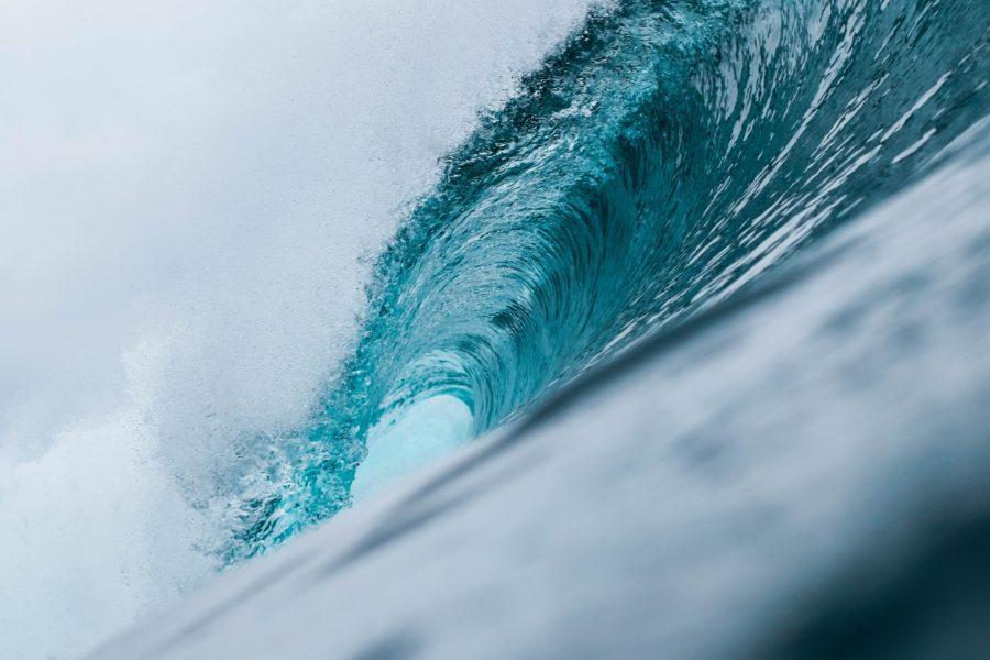 周期が大きくなると、波は力強くパワウルになる