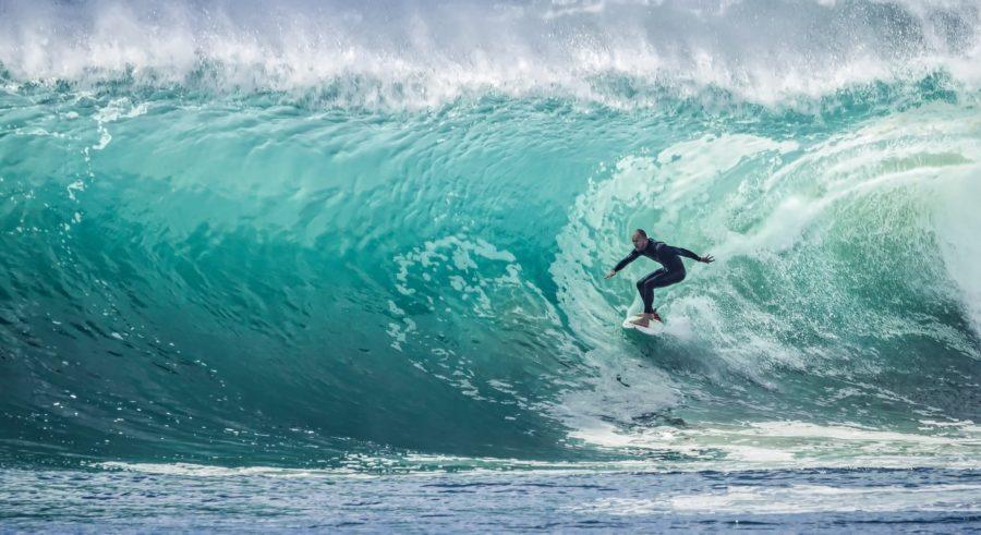 バレルの中でサーフィンすることはみんなが目標にしていることの1つ