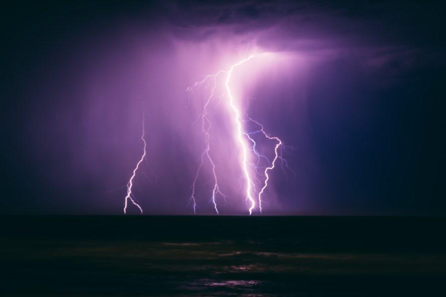 海で落雷に遭遇すると気絶してしまう危険がある