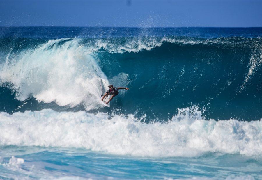 乗っている波に精神の全てを集中させる