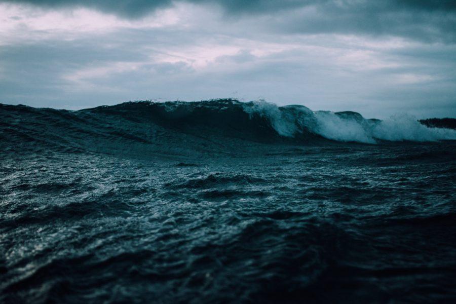 オンショアでもサーフィン!悪い波のコンディションから学べる5つのこと