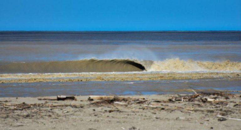 ギズボーンのリバーマウスでサーフィン【ニュージーランド波情報】